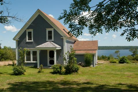 Rising Sun is a charming well maintained guest house overlooking Jordan Bay. - Rising Sun Guest House, Shelburne, Nova Scotia - Shelburne - rentals