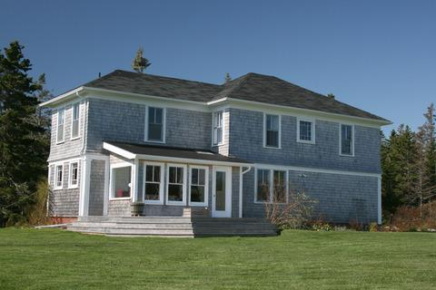 Lupin Lane is a classically beautiful Georgian Home. Set on a large property with view and direct access to the ocean, this delightful home is an ideal vacation home for the family. - Lupin Lane in Port LaTour, Nova Scotia - Barrington - rentals