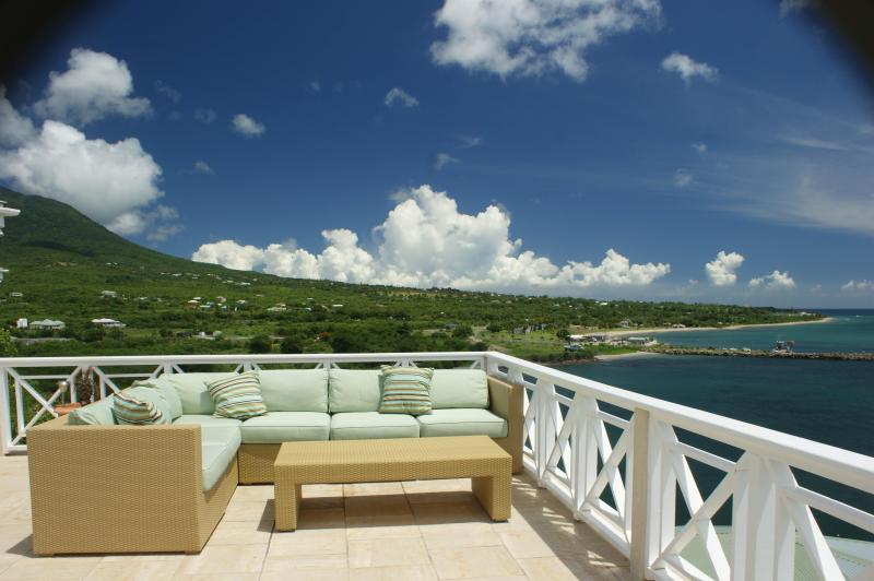 Fabulous Sun/Moon Deck - Cliffiside with Stunning Sun/Star/Moon Deck - Nevis - rentals