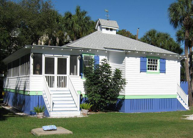 Blue Moon Cottage at 1116 Jones Avenue - Image 1 - Tybee Island - rentals