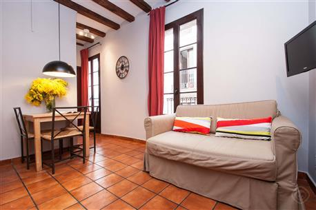 Plaza Real Apartment B - Image 1 - Barcelona - rentals