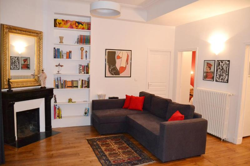 ART Marais PARIS 2 Bedroom, 2 Bathroom Apartment - Image 1 - 3rd Arrondissement Temple - rentals