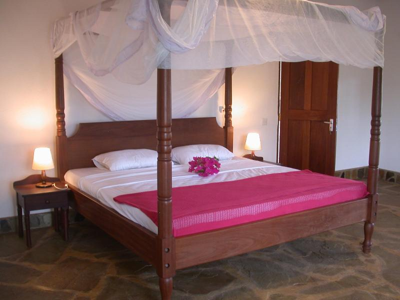 Bedroom - 2 bedroom house close to beach and golf (500-700m) - Diani - rentals