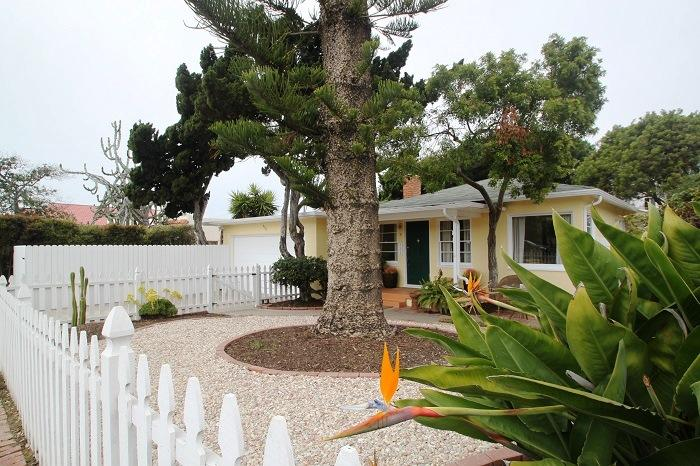 Welcome to The Sunshine Cottage - Beach Cottage, Private yard, parking, Peaceful. - La Jolla - rentals