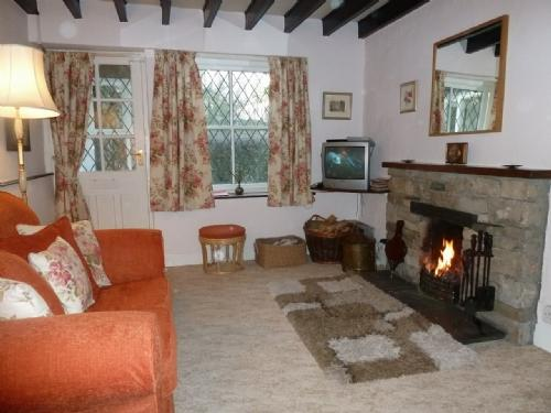 DAMSON COTTAGE, Witherslack, South Lakes - Image 1 - Witherslack - rentals