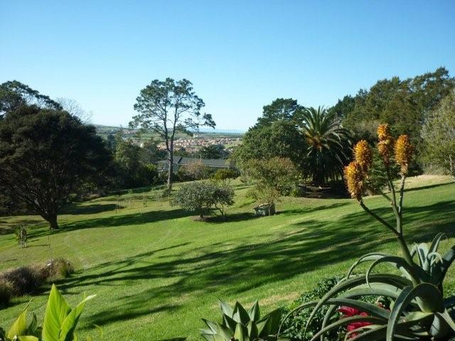 The Garden with Picnic area and Chip & Putt Golf - Coastal Views Retreat - Private B&B Suites - Auckland - rentals
