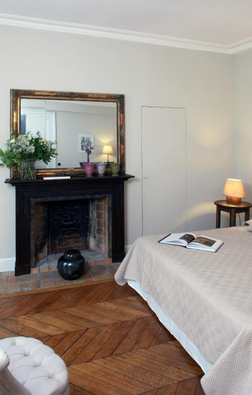 Homepage - Saint-Germain Lovely Two Bedroom - 6th Arrondissement Luxembourg - rentals