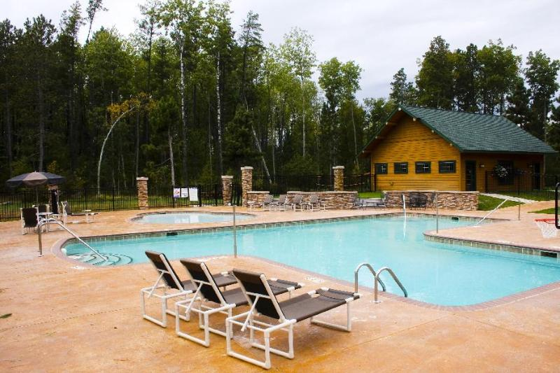 HEATED SWIMMING POOLS! - Whitefish Chain Reunion Lakeview Kayak Cottage - Pequot Lakes - rentals