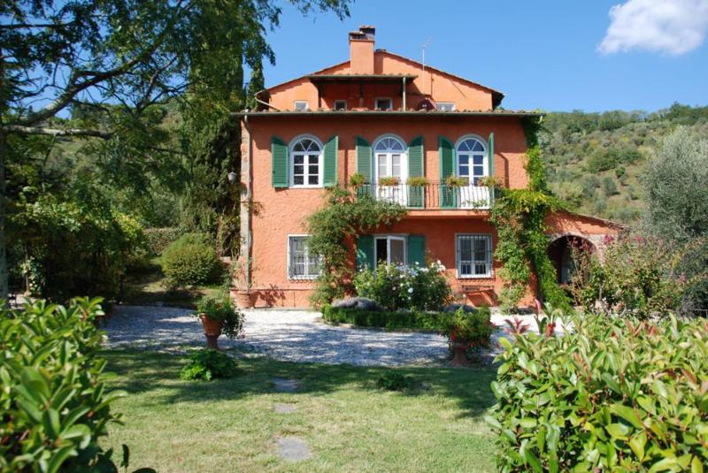 Hillside Tuscan Villa with Pool and Olive Grove - Villa Oliva - Image 1 - Lucca - rentals