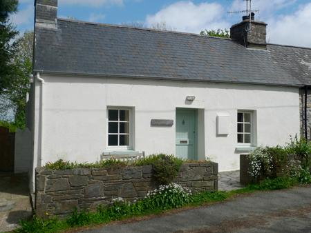 Pet Friendly Holiday Cottage - Nant y Blodau Bach, Newport - Image 1 - Newport - rentals