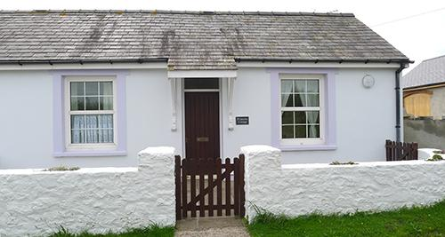 Pet Friendly Holiday Cottage - Primrose Cottage, Nr Pembroke - Image 1 - Pembroke - rentals