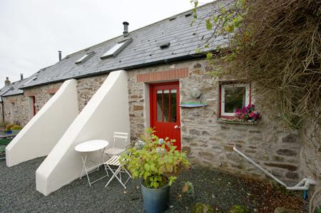 Pet Friendly Holiday Cottage - Buzzard Cottage, Talbenny Hall, Little Haven - Image 1 - Little Haven - rentals