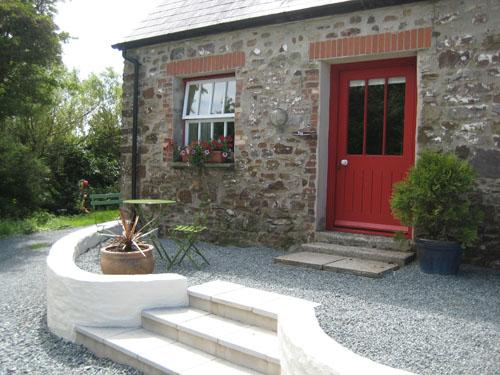 Pet Friendly Holiday Cottage - Tree Cottage, Talbenny Hall, Nr Little Haven - Image 1 - Little Haven - rentals