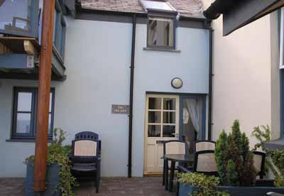 Five Star Holiday Apartment - The Sail Loft, Saundersfoot - Image 1 - Saundersfoot - rentals