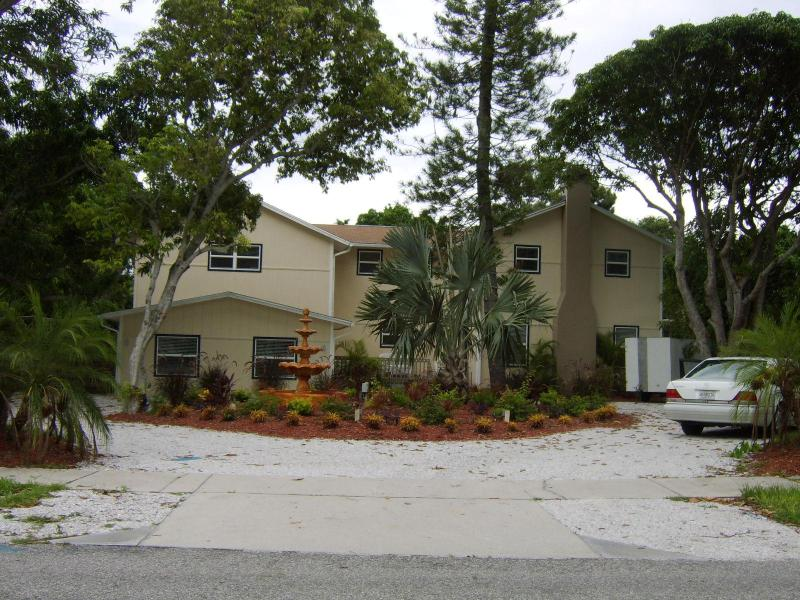 The Mansion - Large Beach Resort / Family Home ! - Image 1 - Bradenton - rentals
