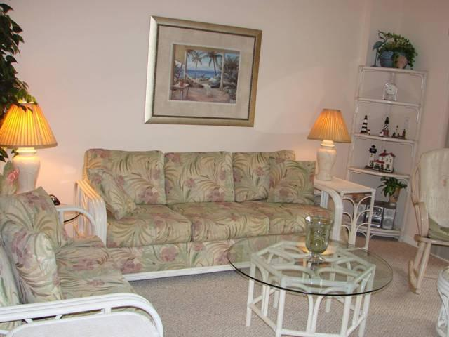 Tropical Styled Living Area - Beso del Sol Beach Condo - 5 STARS by our Guests - Saint Augustine Beach - rentals