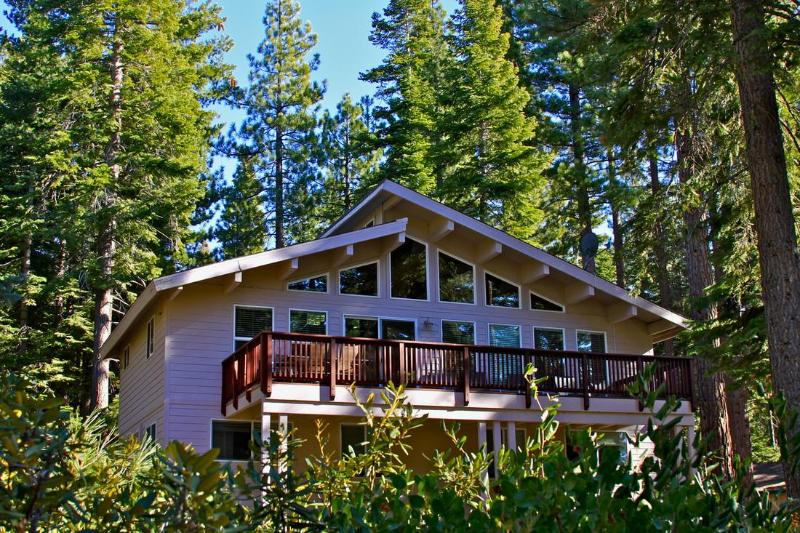 House in the treetops! - Luxury Family Cabin only 2 blocks from the beach! - Carnelian Bay - rentals