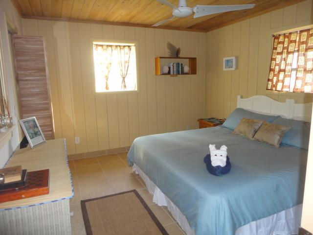 Bedroom at the Cottage with King bed - Close To The Beach - Private Tropical Cottage! - Long Island - rentals