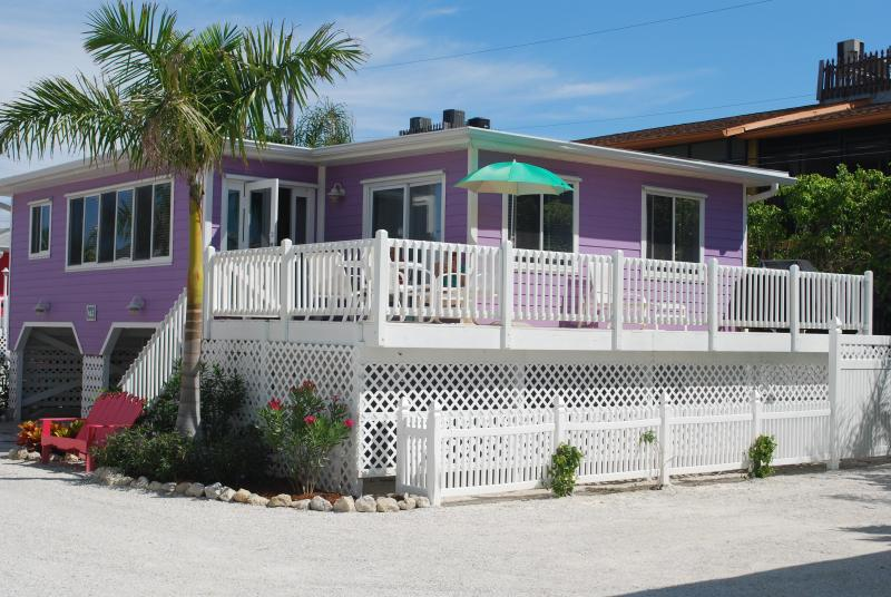 The Mermaid Cottage - Cottages of Paradise Point - Mermaid Cottage - Fort Myers Beach - rentals
