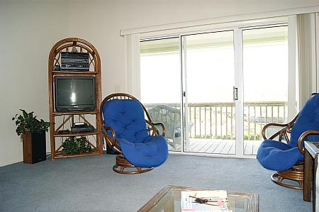 Living Room - Surf Condos 531 - Long Island Escape, 918 N New River Dr, Surf City, NC, Ocean View~~~Save up to $100!!~~~ - Surf City - rentals