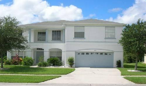 Front view of villa - 4 bedrooms, 3 bathrooms + pool near Disney - Kissimmee - rentals