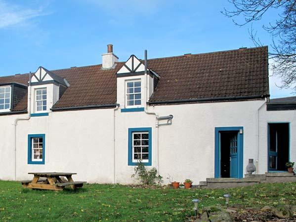 PRIMROSE COTTAGE, pet friendly, country holiday cottage, with a garden in Jedburgh, Ref 10834 - Image 1 - Jedburgh - rentals