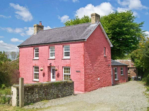 MAES-Y-FFYNNON, pet friendly, character holiday cottage, with hot tub in Cenarth, Ref 12064 - Image 1 - Cenarth - rentals