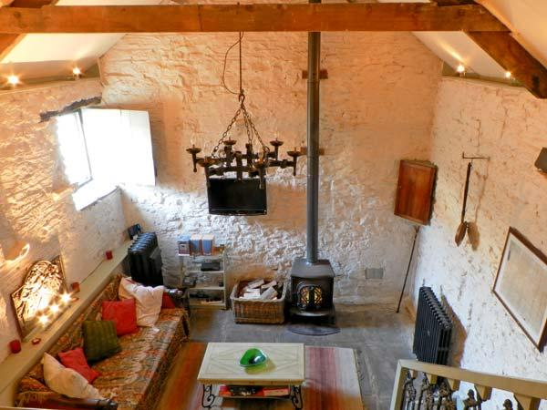 CHERRY TREE COTTAGE, pet friendly, character holiday cottage, with open fire in Pickering, Ref 12416 - Image 1 - Pickering - rentals