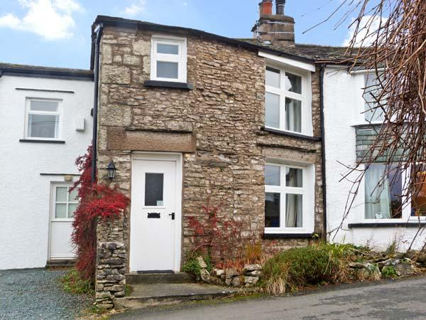 THE ORCHARD, family friendly, character holiday cottage, with a garden in Levens, Ref 12069 - Image 1 - Witherslack - rentals
