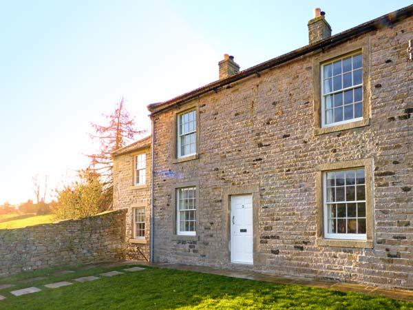 COVERCOTE, pet friendly, character holiday cottage, with a garden in Horsehouse, Ref 8433 - Image 1 - Middleham - rentals