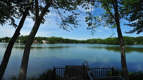 View of Lake - Eastchester NY Private Home on Lake - Westchester County - rentals