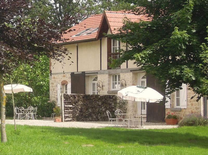 The hunting lodge, East & West Wing, summer 2013 - Hunting lodge II/ On centuries old estate - Villers-en-argonne - rentals