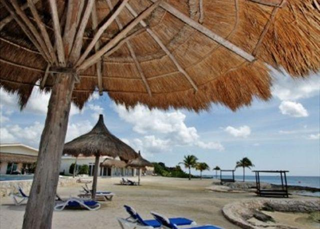 Beautiful Beach Front Access to Diving and Snorkeling - Beautiful 3 BR Villa at Costa del Sol, Oceanfront Pool, Private Pier - Cozumel - rentals