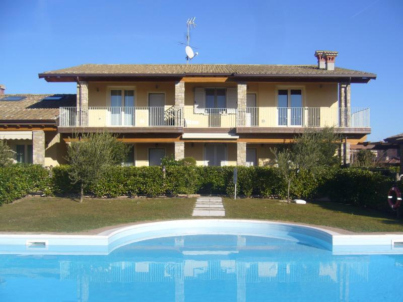 Casa Oleandri (top right) - Casa Oleandri - Moniga del Garda - rentals