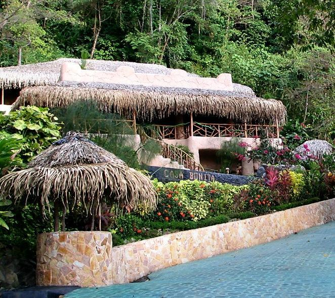 Villa Casa Bonita welcomes you! - Casa Bonita-Walk to beach/Pool/Jungle/Concierge - Dominical - rentals