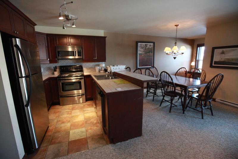 Mont-Tremblant condo with Mountain View and Spa - Image 1 - Mont Tremblant - rentals