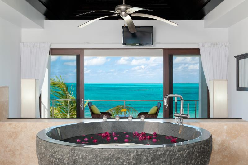 Ocean Edge Cottage - Image 1 - Providenciales - rentals