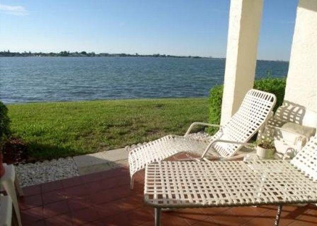 Casa Del Mar G-106 Private patio with Amazing view of the Bay - Image 1 - Saint Petersburg - rentals