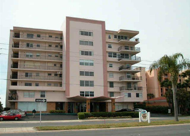 Redington Reef - Redington Reef 507 - Totally remodeled corner condo - 2 month rental minimum - North Redington Beach - rentals