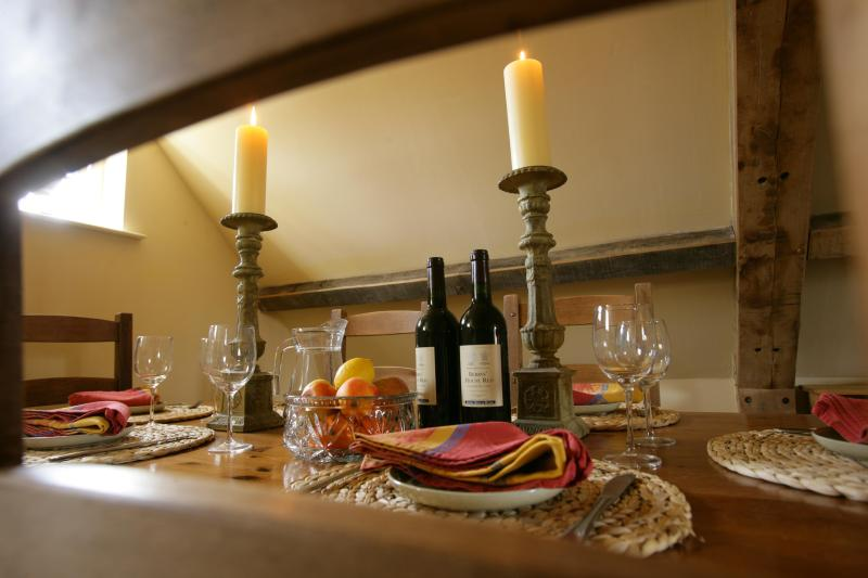 Dining - Luxury 2 Bed Cottage in the Heart of the Cotswolds - Stroud - rentals