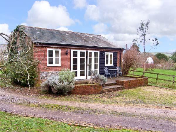 ORCHARD HOUSE COTTAGE, pet friendly, character holiday cottage, with open fire in Shillingstone, Ref 12593 - Image 1 - Shillingstone - rentals
