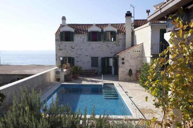 Traditional Dalmatian stone villa with pool - Image 1 - Sumartin - rentals