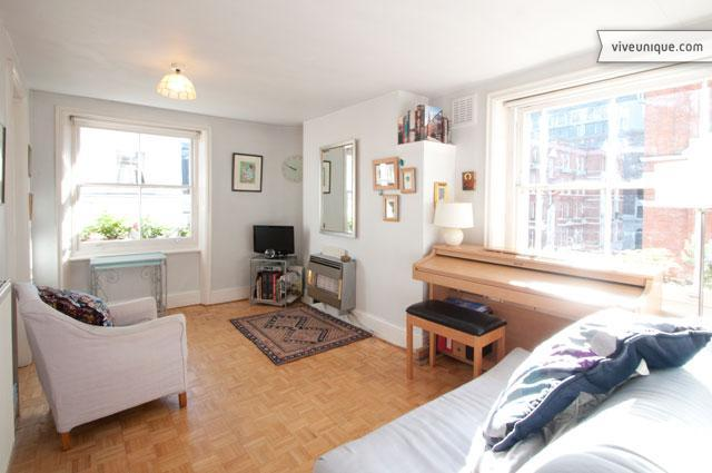 A charming apartment, moments from Oxford Street - Image 1 - London - rentals