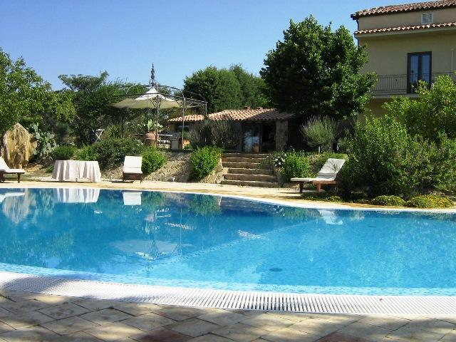 Pool, greenery and the house - VILLA DELLE PALME: luxury villa with private pool, stunning view, park - Caltagirone - rentals