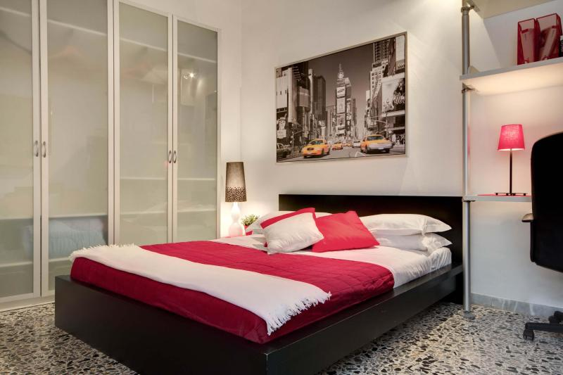 Comfortable and central apartment in Campo d Fiori - Image 1 - Rome - rentals