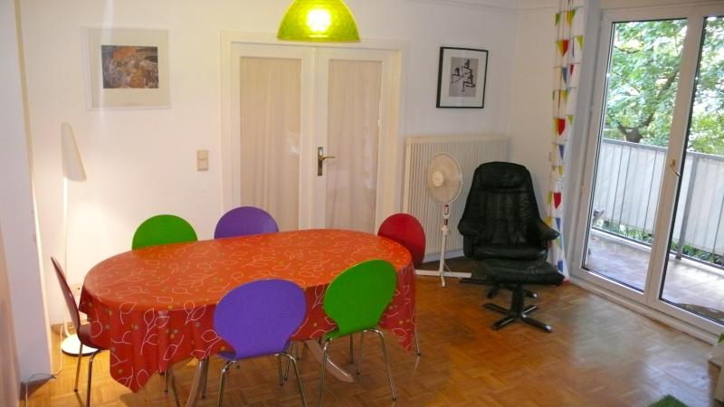 dining table for 6 - Apartment NEUSTIFTGASSE 96 - Vienna City Center - rentals