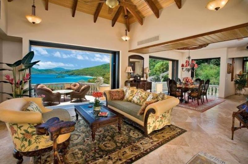 Living area/ Lanai - Dining  Area  open air or closed 11 ft glass sliding doors - Peter Bay Beach,St. John, Delfina - Peter Bay - rentals