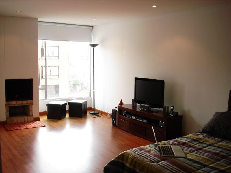 Modern, cozy studio apartment in great location - Image 1 - Bogota - rentals
