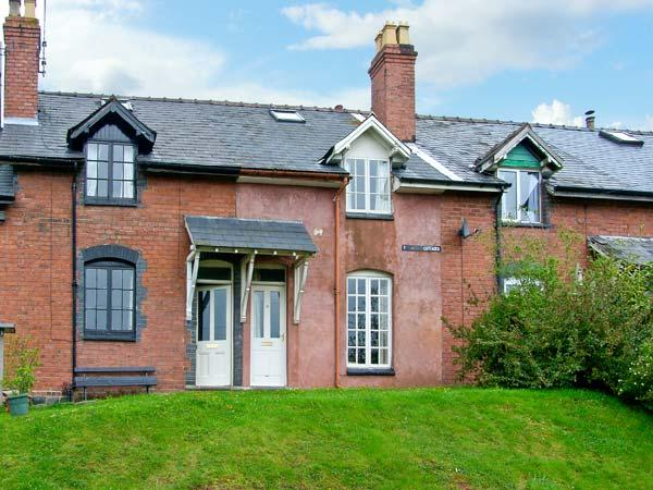 18/19 TITTERSTONE COTTAGES, pet friendly, character holiday cottage, with a garden in Bedlam, Ref 11541 - Image 1 - Ludlow - rentals