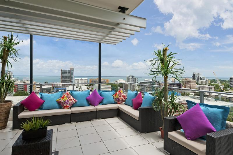 Darwin Executive Penthouse 3 Bedroom Amazing Views - Image 1 - Darwin - rentals
